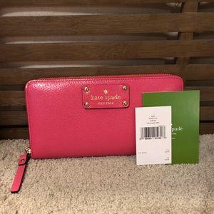 Kate Spade Neda wallet in Caberet Pink